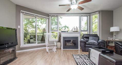 206 - 11595 Fraser Street, East Central, Maple Ridge